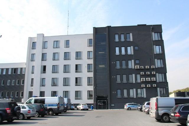 Tak wygląda nowa Komenda Miejska Policji w Dąbrowie Górniczej. Przebudowa i remont są na ukończeniu
