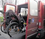 Mieszkańcy gminy Czerwonak, którzy mają problem z samodzielnym poruszaniem się, mogą za darmo skorzystać z usługi transportowej door-to-door