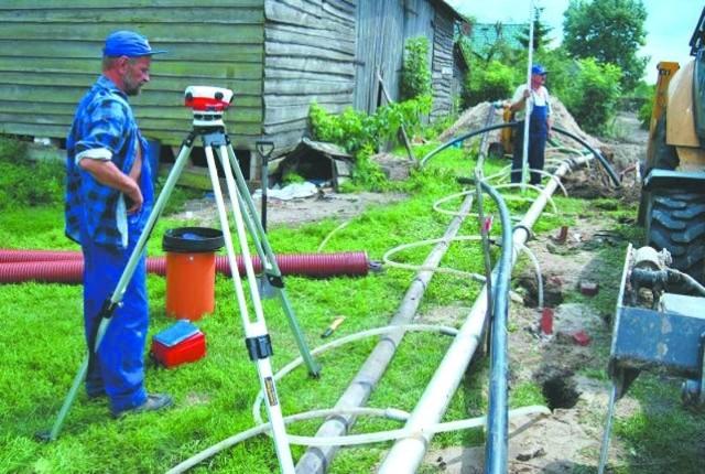 Na razie robotnicy pracują w Jeglinie, a już w przyszłym tygodniu zaczną przekopywać się pod Kanałem Jeglińskim.