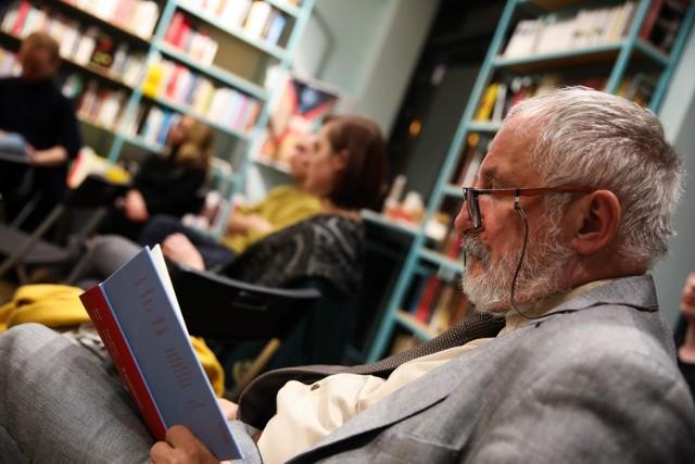 Wśród premier książkowych w sierpniu znajdą się zagraniczne powieści, reportaż czy - szerzej - literatura faktu.