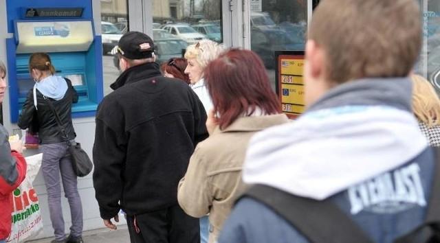 Bankomaty działają normalnie. Gotówka do nich jest systematycznie dowożona.