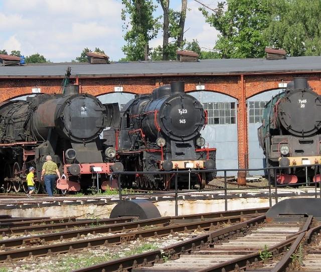 W Jaworzynie Śl. znajduje się 150 zabytkowych pojazdów kolejowych - lokomotyw, wagonów i pojazdów specjalistycznych, dokumentujących historię techniki kolejowej w XIX i XX w. Obejrzymy tam też budynki i maszyny służących do obsługi i eksploatacji lokomotyw parowych.