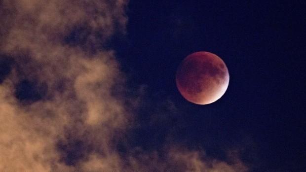 Krwawy Superksiężyc 31.01.2018. Już w środę na niebie niezwykłe zjawisko astronomiczne - Krwawy Superksiężyc, czyli - jak nazwało je NASA - Super Blue Blood Moon 2018.