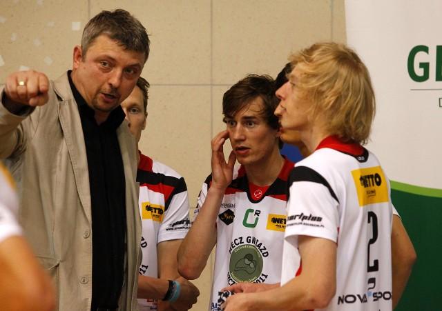 Trener Jerzy Taczała (z lewej).