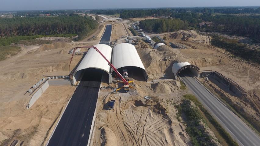Zaglądamy na plac budowy drogi ekspresowej S5 w województwie...