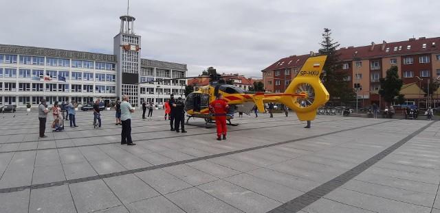 Śmigłowiec Lotniczego Pogotowia Ratunkowego lądował w centrum Koszalina