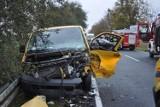 Zbrudzewo koło Śremu: Wypadek busa i mercedesa na drodze wojewódzkiej nr 434 - trzy osoby zostały ranne [ZDJĘCIA]