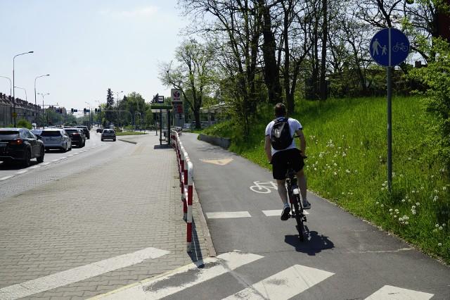 Coraz większa liczba rowerzystów spowodowała, że niektóre ścieżki rowerowe w Poznaniu już mają problem z przepustowością, a to oznacza mniejsze bezpieczeństwo w czasie jazdy