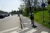 Rower coraz popularniejszy, przez co zmniejsza się przestrzeń na ścieżkach rowerowych. Na niektórych odcinkach panuje tłok