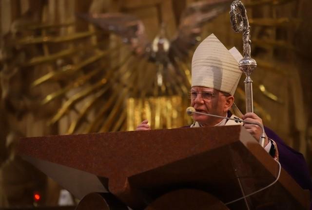 Metropolita krakowski abp Marek Jędraszewski podczas liturgii stacyjnej w Sanktuarium św. Rodziny w Krakowie-Bieżanowie zwracał uwagę na zagrożenia, jakie niesie współczesny świat.