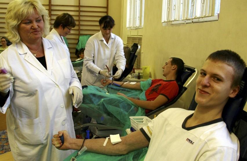 W ubiegłym roku w całej Polsce honorowi dawcy oddali ponad pół miliona litrów krwi, z czego na Opolszczyźnie 14 tysięcy litrów. Ta wielkość utrzymuje się od lat.