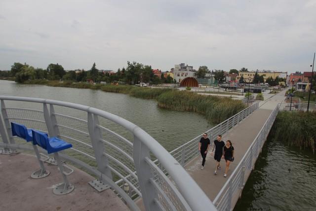 Promenada nad Jeziorem Kórnickim to jedno z najciekawszych tego typu miejsc w Wielkopolsce, które stopniowo jest rozbudowywane od kilku lat.