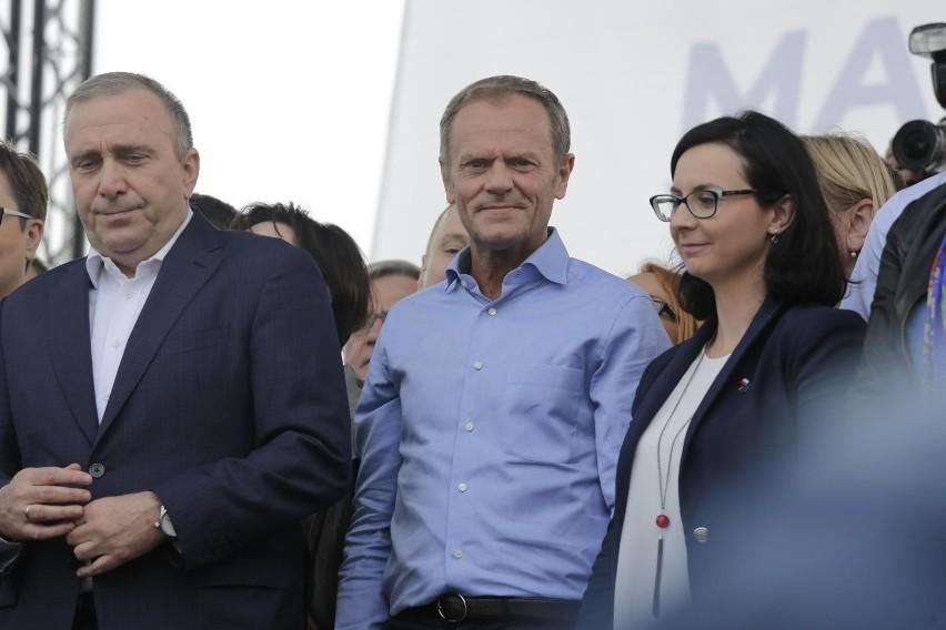 """Marsz """"Polska w Europie"""". Donald Tusk wsparł Koalicję..."""