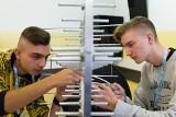 Uczniowie zaprogramują telewizor, ustawią antenę. Bezpłatnie [FOTO]