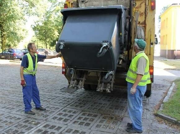 W połowie miesiąca mija termin składania - już po raz trzeci w ciągu ostatniego roku - tzw. deklaracji śmieciowych.