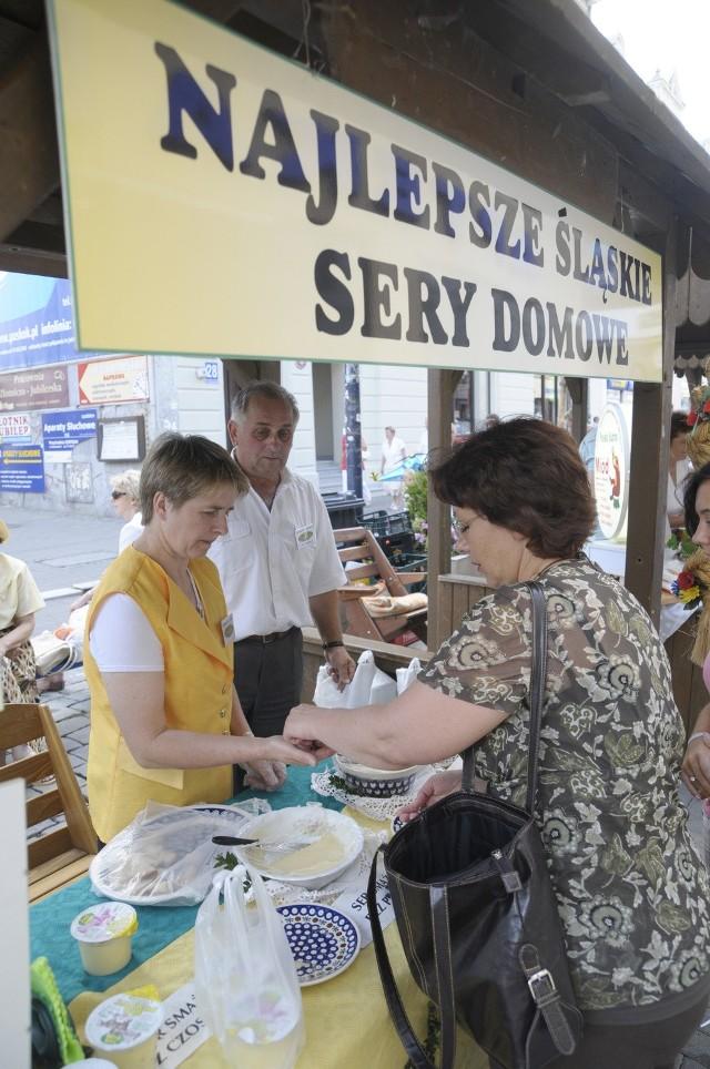 Domowy ser parzony z kminkiem jest jednym z opolskich produktów tradycyjnych.
