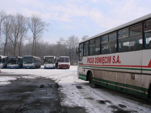 Upadek kolejnego PKS-u, kilkaset osób straci pracęAutobusy oświęcimskiego PKS-u zostały zajęte przez syndyka.