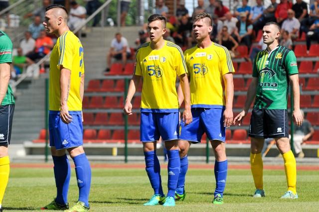 Obrońca Michał Maj (z lewej) i napastnik Łukasz Żegleń mimo młodego wieku byli mocnymi punktami brzeskiej drużyny.