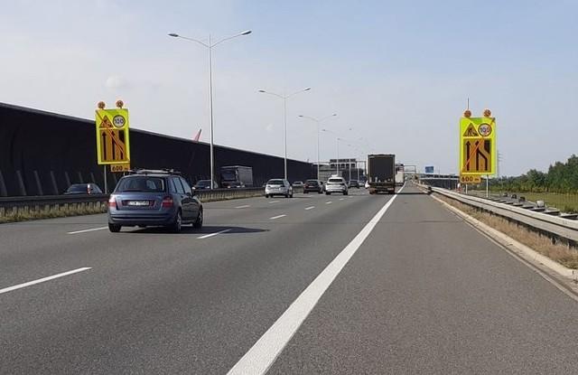 Wzdłuż Autostradowej Obwodnicy Wrocławia budowane są nowe ekrany akustyczne. Kierowcy musza uważać na utrudnienia.