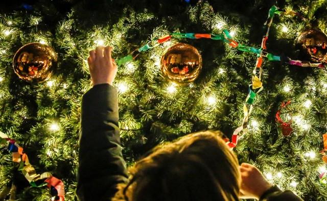 30 proc. Polaków uważa, że pandemia wpłynie na ich finanse w czasie świąt.