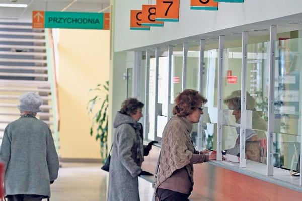 W przychodni specjalistycznej w szpitalu  im. Kopernika reumatolog przyjmie najwcześniej  w... kwietniu.