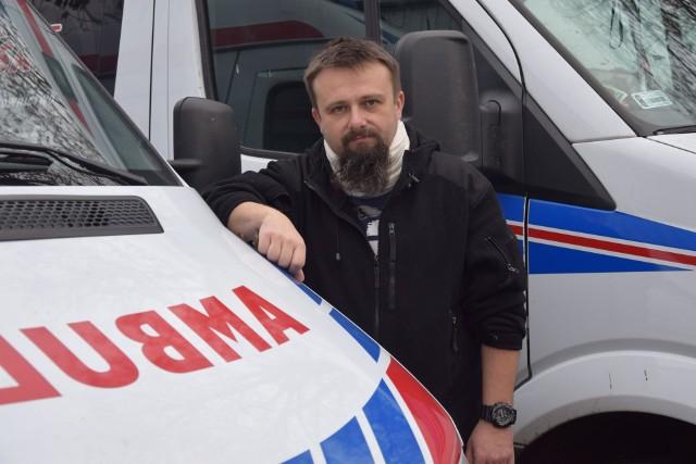 Marcin Gizicki, ratownik medyczny poszkodowany przez Matthew L., znanego operatora filmowego z USA. Mężczyzna zaatakował ratownika podczas udzielania pomocy. Uderzył go z pięści w twarz.