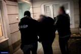 Działali jak mafia mieszkaniowa. 15 osób z zarzutami i wniosek o areszt notariusza