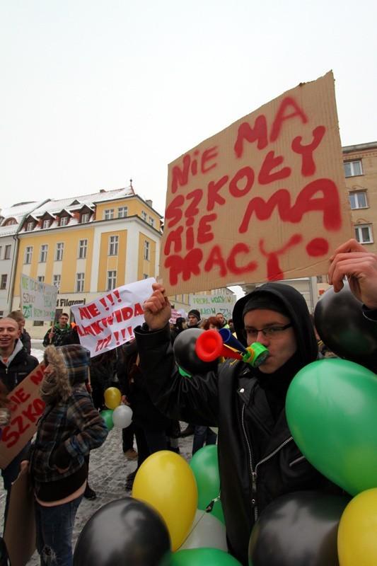 Uczniowie Zespołu Szkół Technicznych w Zielonej Górze w...
