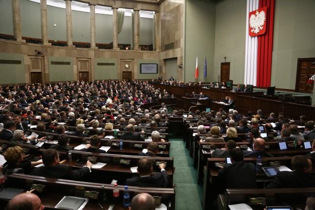 Dzisiaj Sejm ma decydować w sprawie zmian w OFE.