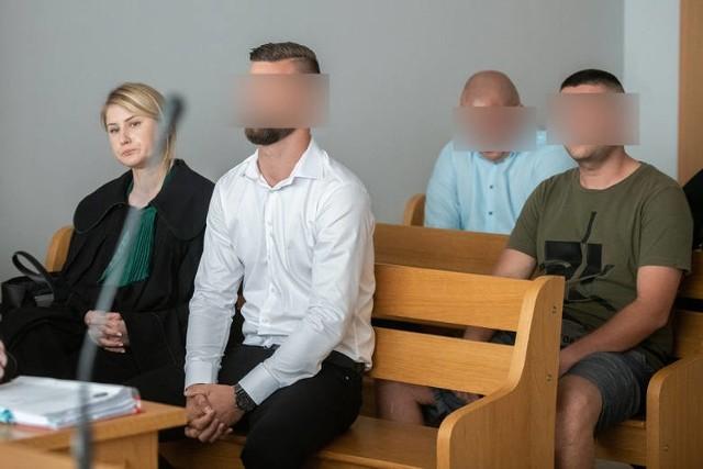 Prokuratura oskarżyła łącznie 7 kibiców Lecha Poznań po zamieszkach na meczu z Legią Warszawa.