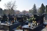 Cmentarze we Wszystkich Świętych 2021 będą otwarte. A inne obostrzenia? Minister Adam Niedzielski złożył ważną deklarację