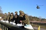 Na poligonie pod Inowrocławiem wojsko szkoli się w niszczeniu zatorów lodowych [zdjęcia]