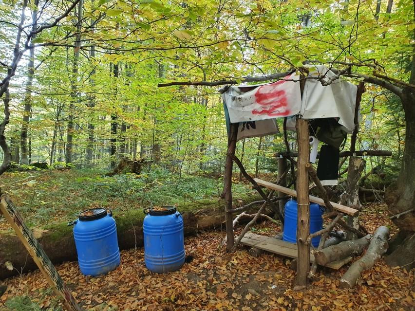 Leśnicy pokazali, co zostawiają po sobie ekolodzy protestujący w Puszczy Karpackiej [ZDJĘCIA]