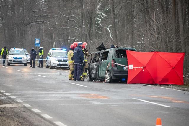 Śmiertelny wypadek na trasie Białystok - Bobrowniki. Nie żyje jedna osoba.