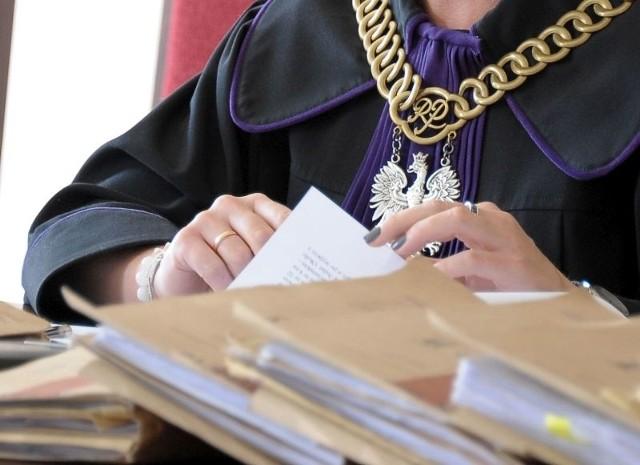 Kilka miesięcy temu Gaweł został nieprawomocnie skazany na 4 lata więzienia za szereg prób i wyłudzeń na ponad 700 tys. zł.