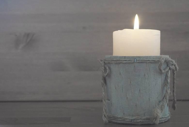 Jednym z wielu sposobów na komary są świece, znicze i...