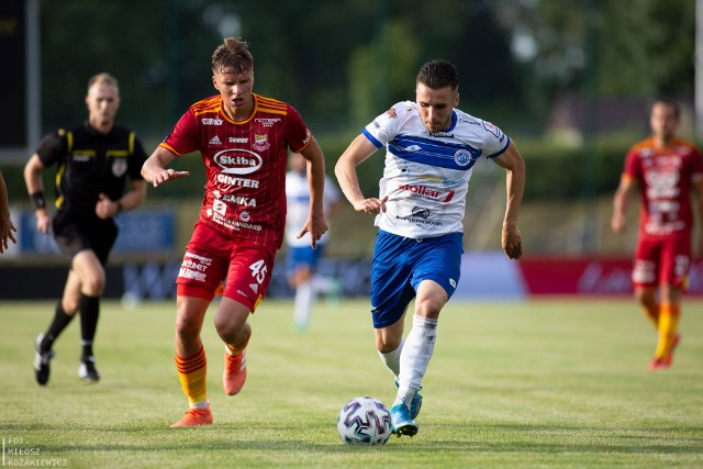 Biało-Niebiescy mogą w Kaliszu zmazać plamę z przegranego 0:4 meczu z Chojniczanką