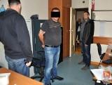 Fałszywy prokurator poszukiwany listem gończym zatrzymany. Wpadł w Warszawie (FOTO)