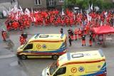 Ratownicy chcą podwyżek. Ponad 400 wzięło udział w marszu na Podkarpaciu [FOTO, WIDEO]