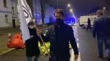 Warszawa: Protest rolników. Rozsypali niesprzedane jedzenie przed domem Jarosława Kaczyńskiego