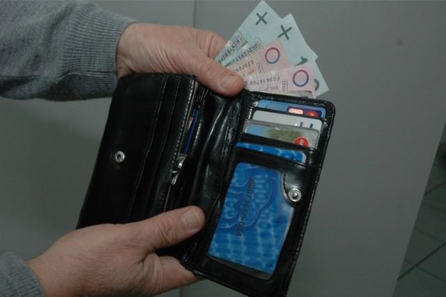 Bank pozwał 71-letnią  kobietę o zapłatę ponad tysiąca złotych kredytu, którego nie spłaciła. Nie mógł jej odnaleźć. Okazało się, że przebywa w domu pomocy społecznej.WIĘCEJ NA KOLEJNYCH SLAJDACH
