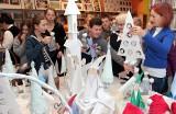 Wystawa świąteczna i kiermasz w filii biblioteki miejskiej w Grudziądzu [zdjęcia]