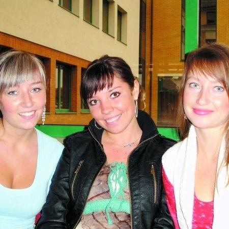 Monika Chalimoniuk, Agnieszka Kilczewska i Agnieszka Lemańska (od lewej) są studentkami WSFiZ w Ełku