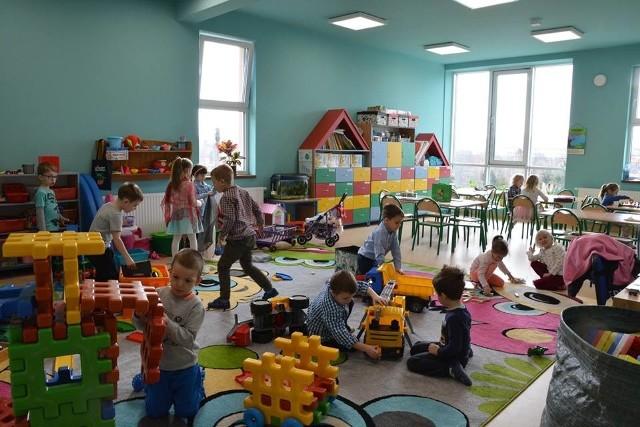 Szkoła Podstawowa z przedszkolem w Brzączowicach (po rozbudowie)