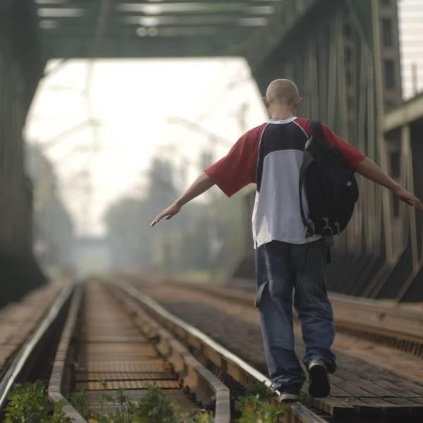 Dzieci uciekają, bo mają kłopoty, o których nie wiedzą rodzice albo chcą zaimponować rówieśnikom.