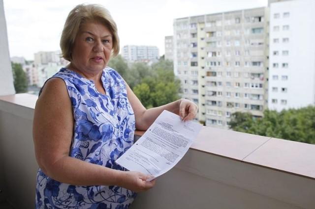 - Policjanci nie pozwolili mi skopiować zdjęcia złodzieja. Inaczej sama pytałabym ludzi, czy go znają - mówi Zdzisława Rynkiewicz.