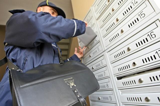 Listonosze już nie muszą awizować przesyłki poleconej - po prostu wrzucą ją do skrzynki.