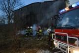 Pożar stodoły w Leźnie. Nieletni zaprószyli ogień? [ZDJĘCIA,WIDEO]