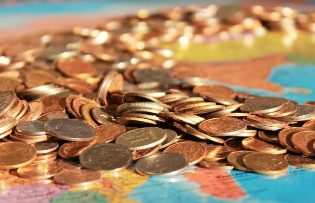 Rząd planuje wprowadzić podatek od wyprowadzki za granicę. Mogą ucierpieć zwykli obywatele