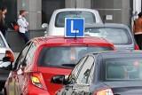 Prawo jazdy. Czy zdobycie prawa jazdy w Polsce jest najtrudniejsze?